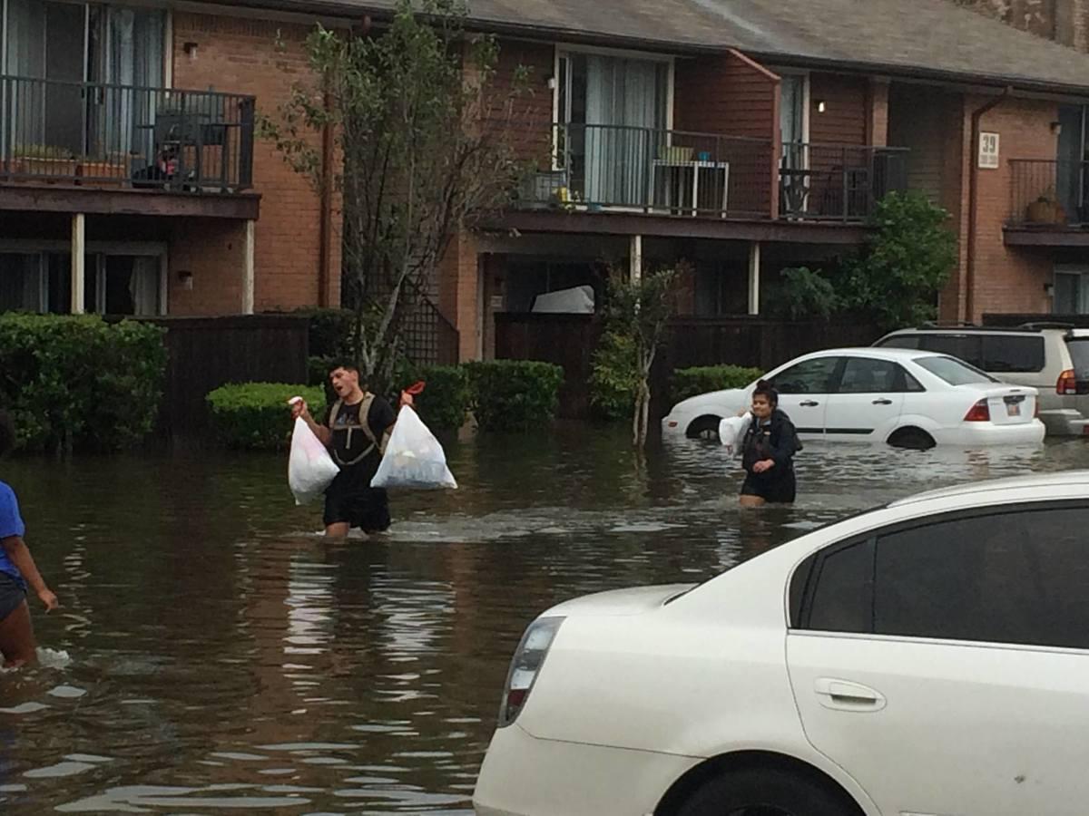 InundationOtherwiseNormalLives01.jpg
